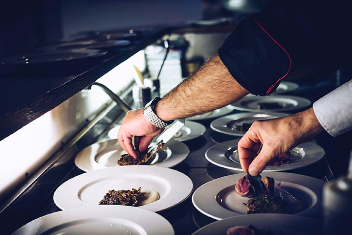 czym-powinna-charakteryzowac-sie-odziez-dla-gastronomii-odpowiada-ekspert.jpg